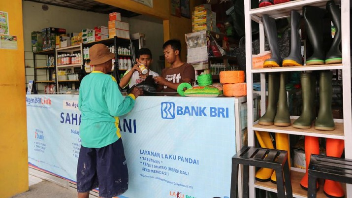 Saat ini Indonesia memiliki sekitar 50 juta warung di seluruh pelosok negeri yang melayani kebutuhan masyarakat.