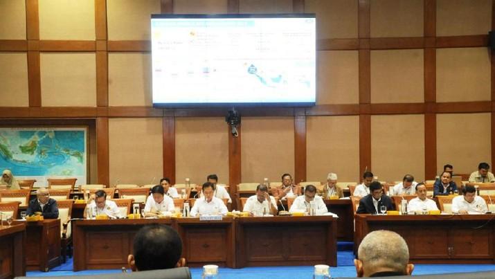 Komisi VII DPR RI menggelar rapat dengar pendapat (RDP) dengan Kepala BPH Migas M. Fanshurullah Asa.