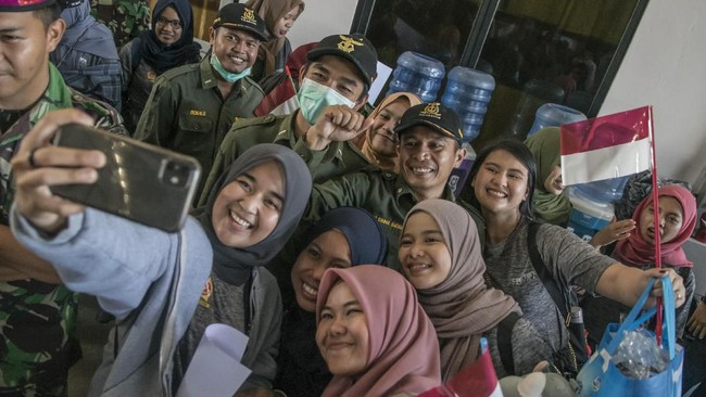 Di Jakarta, mereka rencananya akan disambut oleh Komisi I dan Komisi IX DPR-RI dan Pemerintah Daerah. (ANTARA FOTO/Muhammad Adimaja/wsj).