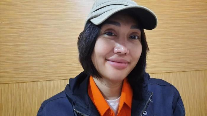 Lebaran di Penjara, Lucinta Luna Nangis-Nangis Kangen Kekasih