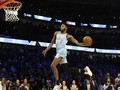 FOTO: Jones Melayang dan Juara Slam Dunk NBA All Star 2020