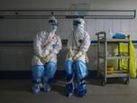 Bersihkan HP Lebih Efektif Setop Corona Ketimbang Masker?