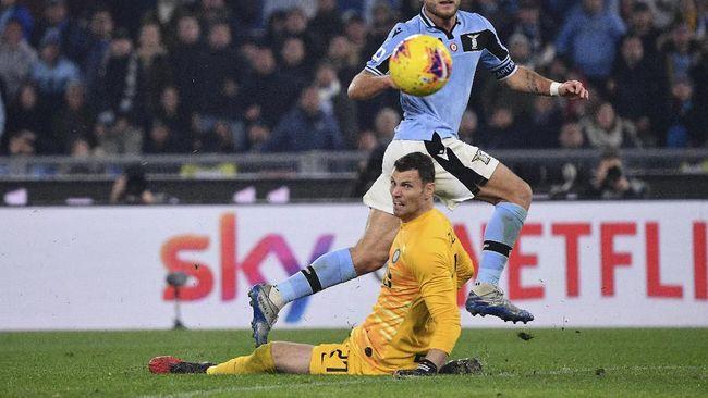 Tanpa Handanovic, Padelli Kepayahan Jaga Gawang Inter Milan