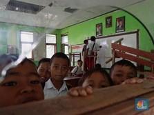 Mas Nadiem, Help! Ruang Kelas SD di Bogor ini Rusak Parah
