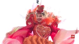 VIDEO: 'Malaikat' Terbang Buka Karnaval Venesia