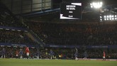 Gol pertama Chelsea, Kurt Zouma, dianulir wasit setelah dibantu Video Assistant Referee (VAR). Gol Olivier Giroud juga dianulir setelah mengecek VAR. (AP Photo/Ian Walton)