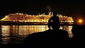 FOTO: Kapal Pesiar MS Westerdam Terpapar Virus Corona