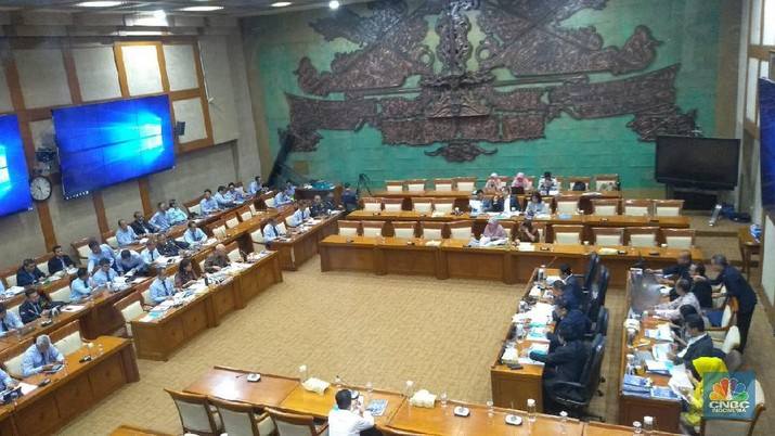 Kementerian Keuangan bahas lagi penerapan tarif cukai plastik kepada Komisi XI DPR