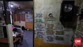 Belajar otodidak, Koh Hendrakerap melakukan kanibal sparepart pada jam tua yang susah dicari penggantinya. Model Chronograph dan Matic jadi tantangan tersendiri, karena tingkat kerumitannya tinggi dan komponennya pun langka. (CNN Indonesia/Adhi Wicaksono)