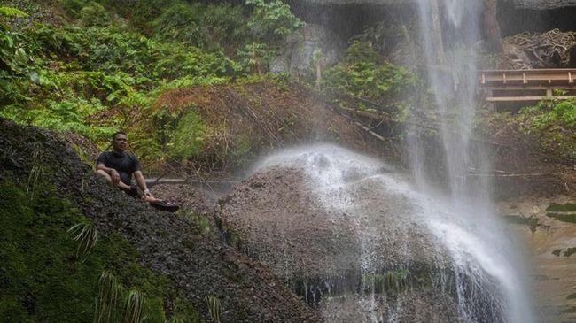 Gotong Royong Menjaga 27 Air Terjun di Desa Kebun Tinggi