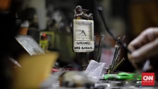 FOTO: Reparasi Arloji, Merawat Waktu dalam Akurasi