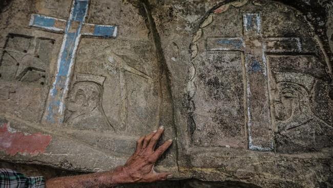 Giron yang mengklaim lahir pada 17 Oktober 1944 ini dikenal masyarakat setempat dengan nama Petapa Nicaragua, Manusia Batu, atau Pengukir Gunung. Aslinya, ia tinggal di desa dekat Esteli City. (Photo by INTI OCON / AFP)