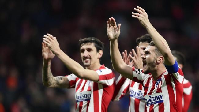 Para pemain Atletico Madrid merayakan kemenangan timnya atas Liverpool pada leg pertama babak 16 besar Liga Champions 2019/2020. (AP Photo/Manu Fernandez)