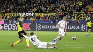 FOTO: Haaland 'Mengamuk', Dortmund Tekuk PSG