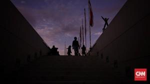 FOTO: Rehat Sore di Lapangan Banteng