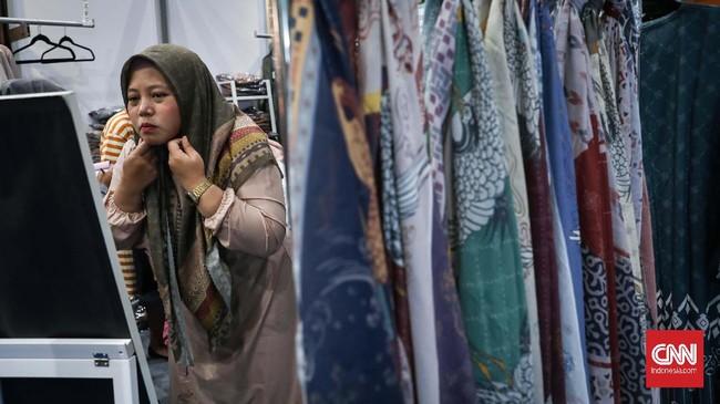 Sebagai negara dengan penduduk muslim terbesar di dunia, seharusnya bisa menjadi pemain penting di industri pakaian muslim dunia.CNNIndonesia/Safir Makki