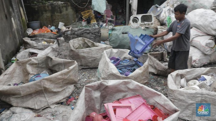 Sampah Plastik Bisa Datangkan Uang Puluhan Juta Rupiah