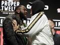 FOTO: Panas Jelang Deontay Wilder vs Tyson Fury