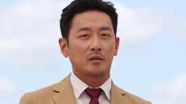 Aktor Ha Jung Woo Bantah Menyalahgunakan Obat Bius