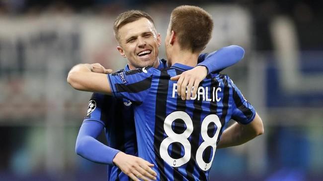 Josip Ilicic lalu menambah keunggulan Atalanta tiga menit jelang babak pertama berakhir. (AP Photo/Antonio Calanni)