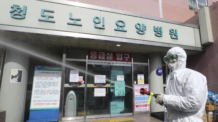 Kasus baru virus corona di Korea Selatan meningkat, capai hampir 6.000 kasus.