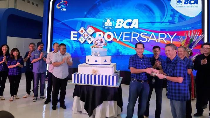 BCA Travel Service menawarkan potongan harga hingga 1 juta untuk pembelian tiket pesawat.