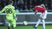 Ragam Alasan Mignolet Pakai Nomor Punggung 88 di Club Brugge