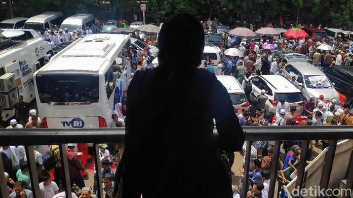 Penampakan Menyemut Massa Aksi 212, Serukan Berantas Korupsi