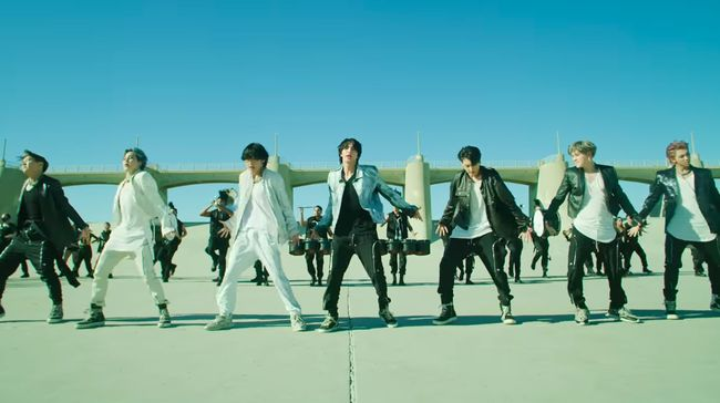 BTS Tampil Mewah di Video Kinetic Manifesto Film Lagu ON
