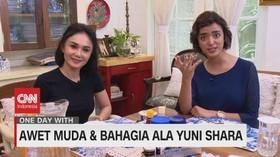VIDEO: Awet Muda & Bahagia Ala Yuni Shara