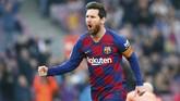 Lionel Messi sudah menciptakan hattrick di babak pertama saat Barcelona menjamu Eibar. (AP Photo/Joan Monfort)