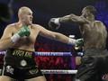 Tyson Fury Menang TKO Atas Wilder
