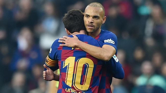 Dipeluk Messi, Striker Baru Barcelona Girang