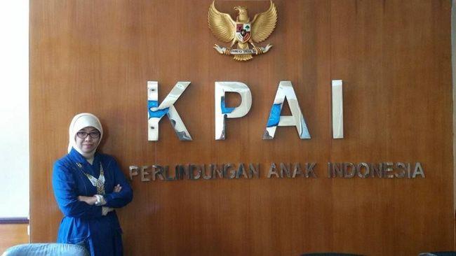Sitti Hikmawatty KPAI, Ahli Gizi yang Picu Kontroversi