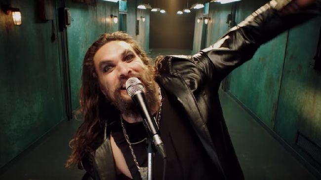 Jason Momoa Jadi Ozzy Osbourne di Teaser Album Ordinary Man