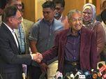Mahathir Mundur & Politik Kacau, Bursa Malaysia Ambles 2,5%