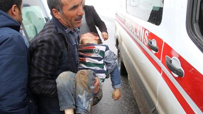 Sedangkan Iran melaporkan lebih dari 65 orang luka-luka, 39 diantaranya dirawat di rumah sakit, dan belum ada laporan korban jiwa. (IHA via AP)