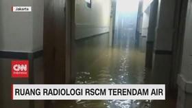 VIDEO: Ruang Radiologi RS Cipto Mangunkusumo Terendam Banjir