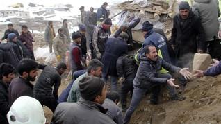 FOTO: Gempa Magnitudo 5,7 Guncang Perbatasan Turki-Iran