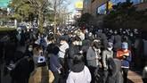 Sekitar 9.300 anggota Shincheonji saat ini tengah dikarantina dan akan melalui tes kesehatan. (Lee Moo-ryul/Newsis via AP)