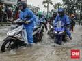 Terjang Banjir, Pemotor Tewas di Jalan Gajah Mada Jakpus