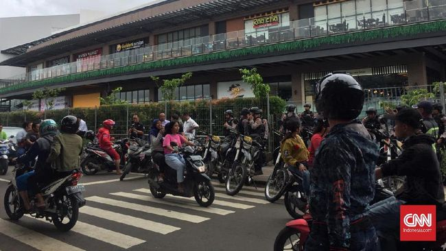 Kronologi Warga Demo Mal AEON Jakarta Garden City