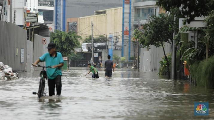 Banjir Jakarta hari ini dianggap ada persoalan drainase.