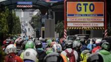 Jalan Jakarta Terendam Banjir, Motor Boleh Masuk Tol