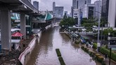 Hujan membuat sejumlah wilayah tergenang banjir. ANTARA FOTO/Aprillio Akbar/foc.