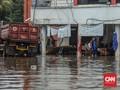 Banjir di Cipayung Jaktim, 5 KK Terima 2 Bungkus Mi Instan