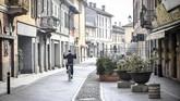 Menteri Kesehatan Italia Roberto Speranza memutuskan menutup jalur transportasi umum, gedung, serta pengawasan dan karantina terhadap individu yang diduga telah terkena virus corona. (Claudio Furlan/LaPresse via AP)