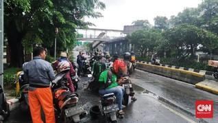 Banjir Masih Putus Akses di Gunung Sahari Menuju Mangga Dua
