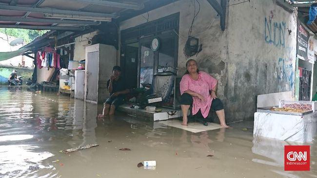 Banjir Jakarta Rendam Permukiman Kemang hingga Pondok Gede