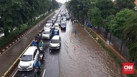 Imbas Banjir di Ciledug, Jalan Utama Macet